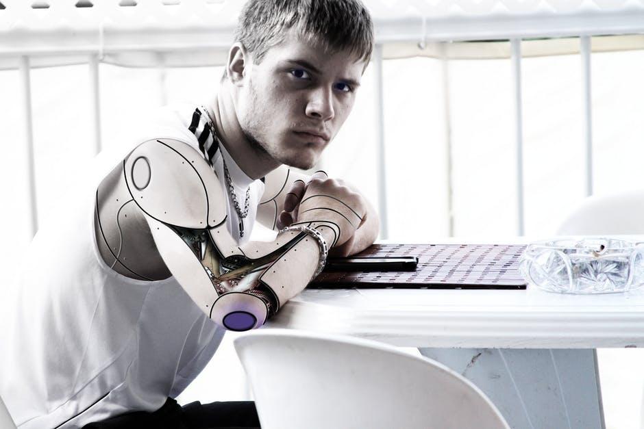 Robots djs pinchan música