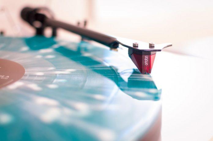 Si te gusta escuchar músicas clásicas y además de eso eres fanático de la música electrónica. Debes de ver este artículo. En cual hemos hecho una recopilación para regalarte el top 5 de músicas clásicas pasadas a electrónicas.