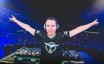 Tiësto rindió homenaje a Avicii durante su presentación en EDC