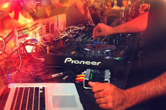 Qué tipo de sistema utiliza tu DJ favorito