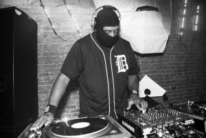 Lorenzo Senni presenta a DJ Stingray, Tale Of Us y Florian Hecker