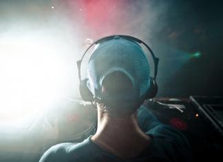 Tips y consejos para evitar pérdida de la audición - DJ