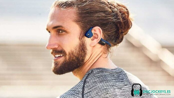 usar auriculares de conducción ósea